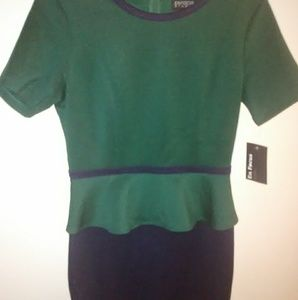4/$20 En Focus studio dress size 8 green, dark bl